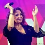 Deze dame weet duidelijk te genieten van het leven, daarom is Corina ook de hele week lang onze pracht plaat bij FamilyRadio!